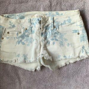 American Eagle STRECH wit patterned Jean shorts